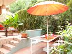 Garden, the dining area - a nice breakfast outside to start a new day!