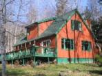 Chalet minutes from Mount Snow and Pet Friendly