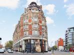 The corner of Knightsbridge and High Street Kensington