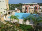 Infinite pool & whirlpool at walking distance