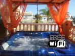 1 Bed Apartment with Hot Tub/Jacuzzi with alfresco dining