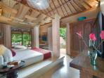 Red Palms Master Suite