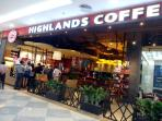 Highlands coffee is just 5 minutes by walk.