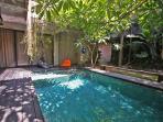 VILLA - Pool and Lounge