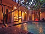 VILLA - Pool & Deck