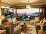 Cover: Lounge with indoor barbeque and breathtaking seaview