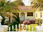 Stunning Mediterranean Villa Close to Beach & Abbo