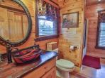 Queen Main level private bath