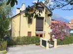 Appartamento con giardino 'De Bati' - l'esterno