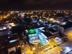 Toma aerea desde un drone fachada del edificio Tematico 'EL BARCO'