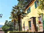 The front exterior of Casa del Pretorio