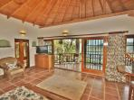 The spacious and luxuriously furnished Palm Cottage living area