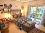 Noosa Valley Manor B&B Retreat