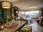 1st floor: Diningroom with lounge