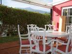 Comedor con techo retráctil y vista al Teide