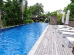 Swimming pool, fitness room, lounge with wi-fi