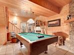 Log cabins in Gatlinburg with hot tubs