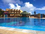 Tropical Resort - Pool