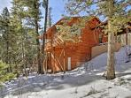 Choose this delightful Cloudcroft vacation rental cabin for your New Mexico retreat!
