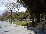 Parque Picasso, al lado de casa. Dispone de un parque infantil y es zona de tapeo en el barrio.