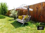 Private back garden, gazebo, barbeque, sunbeds (1000 sqm)