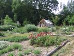 Guimauve, 4 places. vue sur le jardin de curé ... Départ de randonnée