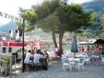 On the island Bar 'La Botta' (the Barrel) can be acessed by taxi boat from Sala