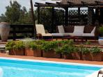 La Luna Cottage - Pool and Patio
