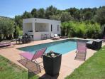 la piscine, le pool house et la cuisine d'été