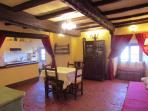OS Castle - Romantico appartamento nella torre del Castello di Tassarolo - Il soggiorno