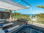 Brand new ocean view terrace with jacuzzi - Nouvelle terrasse avec jacuzzi