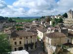 cité médiévale de Saint-Emilion a 3 mn en voiture.