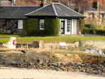 Fabulous location overlooking the Firth of Forth