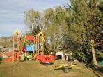 Parque infantil privado. Casa rural Vilanova (Berguedà, Barcelona)