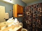 Full Bathroom Linens Provided