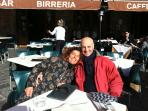 Silvia e Paolo, i padroni di casa: qui sono a Siena in p.zza del Campo
