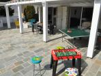 Ping pong table and toy game