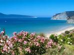Lampès sandy beach at 1300 meters Lampès plage de sable fin à 1300m. spiaggia di sabbia a 1300m.