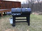 Gas and Charcoal Grill Combo / We provide the gas and charcoal during your stay
