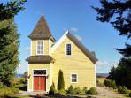 Harrington House is a 4 1/2 star Canada Select cottage property.  1857 church - converted in 2006.