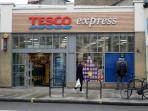 Tesco Express supermarket (2 minutes walk from flat)