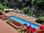 02 Cactus shared pool area