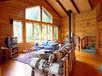 Sequoiatude, large, inviting livingroom with cable TV