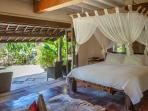 Pavilion Timor 1FL ensuite with a private terrasse, overlooking the luxurious garden