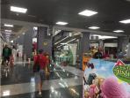 Gran Centro Comercial, cines, restaurantes, supermercado , tiendas, parking gratuito....
