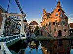 After 2 hours sailing from the berth, you arrive in the picturesque village of De Rijp