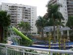 Parque Aquático com toboágua