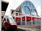 Train stop to/from Fiumicino airport and Eataly, to buy the best typycal italian food products