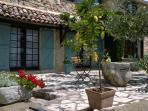 Stunning 1 Bedroom in Provencal Farmhouse, with a Pool