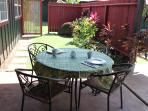 Outdoor dining on large covered lanai